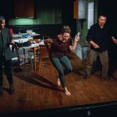 Barnen – Göteborgs Dramatiska Teater 2020 -  Regi: Mattias Nordkvist – Scenografi: Richard Andersson – Kostym: Fianna Robijn.