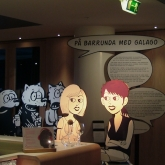 """Utstallning, """"Pa barrunda med Galago"""" Vin & Spritmuseet"""