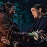 Dracula – Borås stadsteater 2021 Regi: Rikard Lekander – Scenografi/kostym: Richard Andersson – Projektioner: Ludde Falk